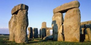 trip to Stonehenge on English language course